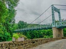 Vieux pont suspendu de fer photos libres de droits