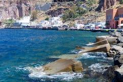 Vieux port Ammoudi de village d'Oia à l'île de Santorini en mer Égée, Grèce Photos libres de droits