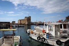 Vieux port de Byblos, côte méditerranéenne, Liban Photos stock