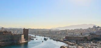 Vieux port de Marseille dans la lumière de matin photos libres de droits