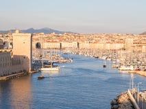 Vieux port de Vieux de Marseille, France, au coucher du soleil photographie stock