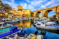 Vieux port de pêche à Marseille, Provence, France photographie stock libre de droits