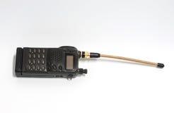 Vieux poste radio sur le fond blanc Photographie stock
