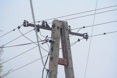 Vieux poteau électrique concret photos libres de droits