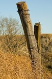 Vieux poteau de frontière de sécurité photographie stock libre de droits