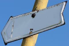 Vieux poteau indicateur en gros plan Images libres de droits