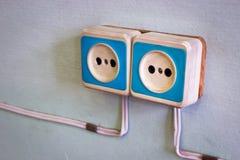 Vieux prise électrique et fil Images libres de droits