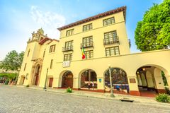 Vieux pueblo d'EL d'église de plaza photographie stock