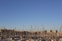 Vieux-puerto de Marsella en el cielo imágenes de archivo libres de regalías