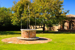 Vieux puits Photos libres de droits