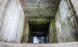Vieux puits en bois photographie stock libre de droits