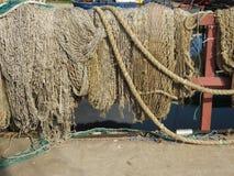 Vieux réseaux de pêche village de l'Espagne de p?che des Asturies cudillero image stock