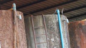 Vieux réservoir d'eau photos libres de droits