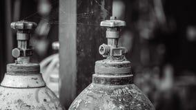 Vieux réservoir d'oxygène photographie stock libre de droits