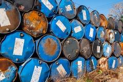 Vieux réservoirs de carburant Image stock