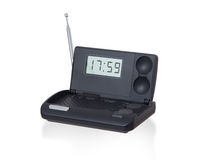 Vieux réveil par radio numérique d'isolement sur le blanc Images stock