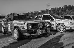 Vieux rassemblement de voiture de course de VOLKSWAGEN GOLF GTI 16V 1987 LA LÉGENDE 2017 la course historique célèbre de San MERI photo libre de droits
