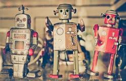 Vieux robots classiques de jouet de bidon Image libre de droits