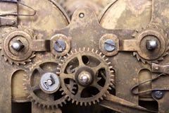 Vieux rouages sales avec la poussière et l'huile de graissage Foc sélectif photo libre de droits