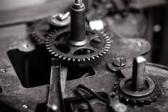 Vieux rouages sales avec la poussière et l'huile de graissage Foc sélectif images libres de droits