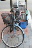 Vieux rouillé de bicyclette Image libre de droits