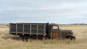 Vieux Rusty Grain Truck photographie stock