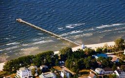 vieux sailboatpier à la mer baltique Photos libres de droits