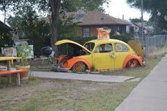 Vieux scarabée jaune de l'amour chez Seligman Photos libres de droits