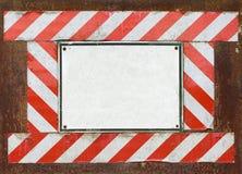 Vieux signal d'avertissement blanc Image libre de droits