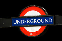 Vieux signe souterrain rouillé Image libre de droits