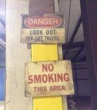 Vieux signes d'usine Photos stock