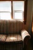 Vieux sofa Photos stock