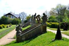 Vieux statues et escaliers Photographie stock libre de droits