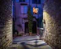 Vieux steets de saint Paul de Vence pendant la nuit Photographie stock libre de droits