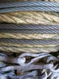 Vieux système de poulie de corde Photos stock