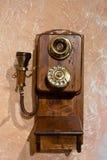 Vieux téléphone en bois Photographie stock libre de droits