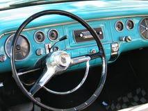 Vieux tableau de bord classique de véhicule Images libres de droits