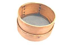 Vieux tamis en bois pour la farine Photo stock