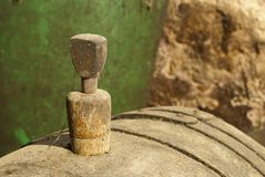 Vieux taquet de baril de vin Image libre de droits