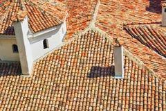 Vieux toit carrelé image stock
