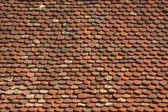 Vieux toit rouge historique image libre de droits