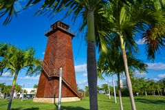 Vieux tour de contrôle Mexique d'aéroport de Cancun Photographie stock