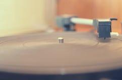 Vieux tourne-disque poussiéreux Images libres de droits