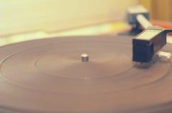 Vieux tourne-disque poussiéreux Photo stock