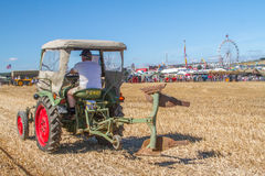 Vieux tracteur vert de fendt à l'exposition Photos stock