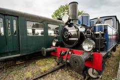 Vieux train de vapeur avec une grande lampe à pétrole Photo libre de droits