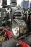 Vieux train de vapeur avec une grande lampe à pétrole Images stock