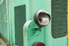 Vieux train de vapeur avec une grande lampe à pétrole Image libre de droits