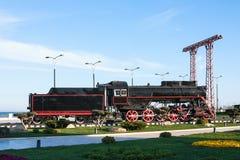 Vieux train de vapeur en parc de bord de la mer à Bakou, Azerbaïdjan Photo stock