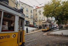 Vieux tram célèbre dans Lissabon Images stock
